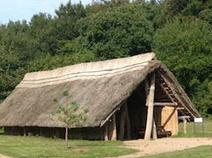 Hütte im Steinzeitpark Albersdorf - Ausflugsziel in die nähere Umgebung